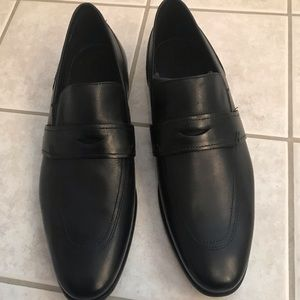 NEW Men's Hugo BOSS Leather Loafers- size 10